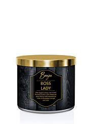 KRINGLE CANDLE VONNÁ SVÍČKA BOUJEE - BOSS LADY, 411 G